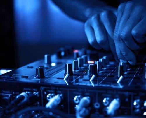 Noize FM – r3ntZ Podcast vol.1 (22.12.14)
